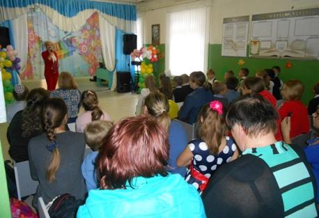 День учителя «Любимые учителя» в Горловском филиале Ашковской средней школы.